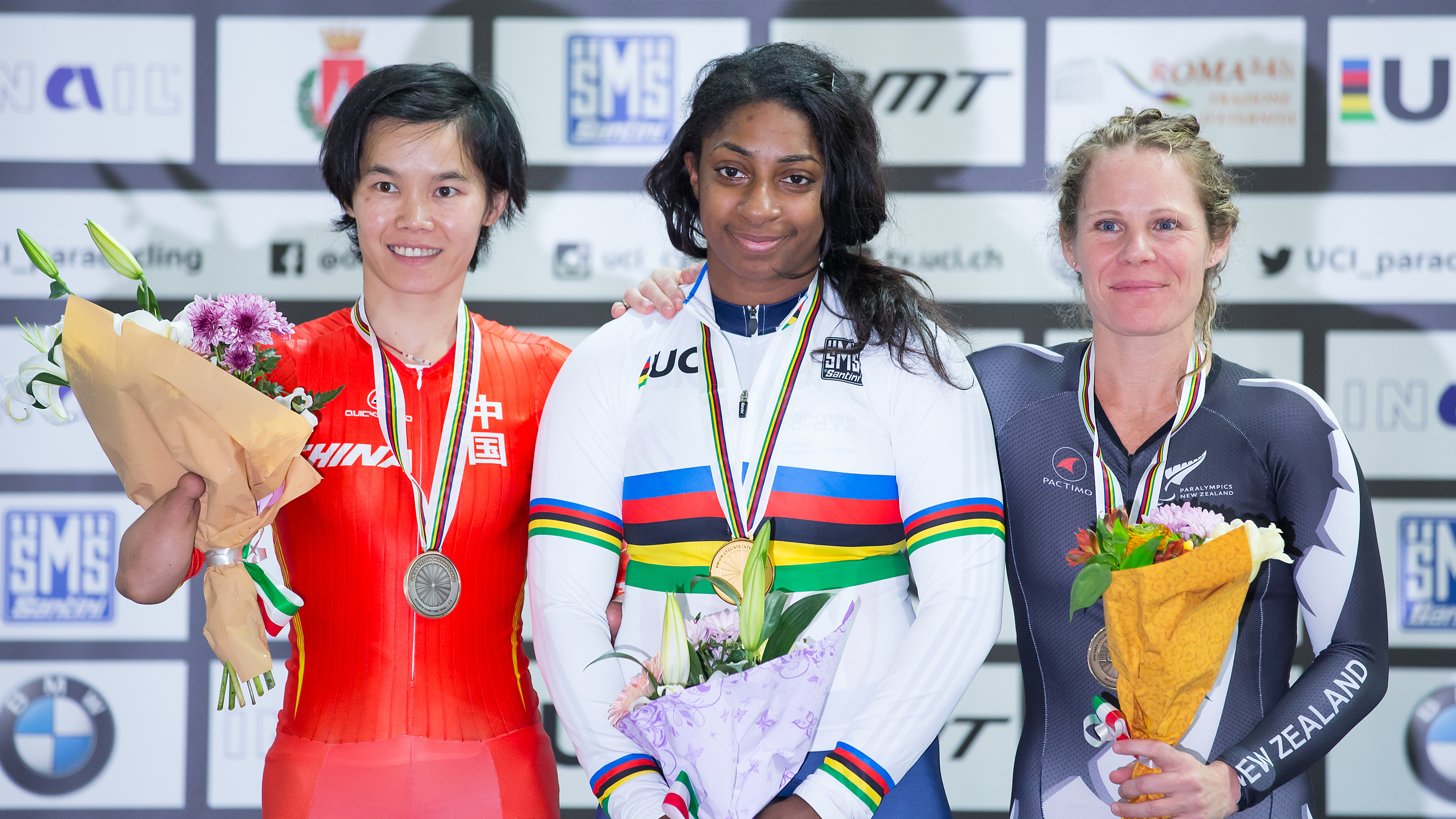 Kadeena Cox wins gold at the 2016 UCI Para-cycling Track World Championships