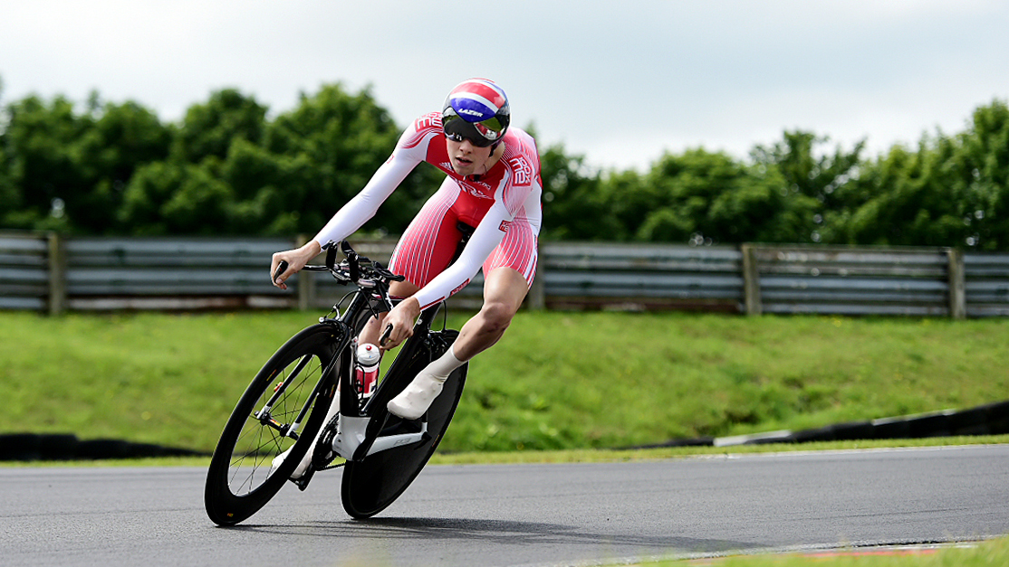 Scott Davies on his way to the 2015 British under-23 time-trial title.